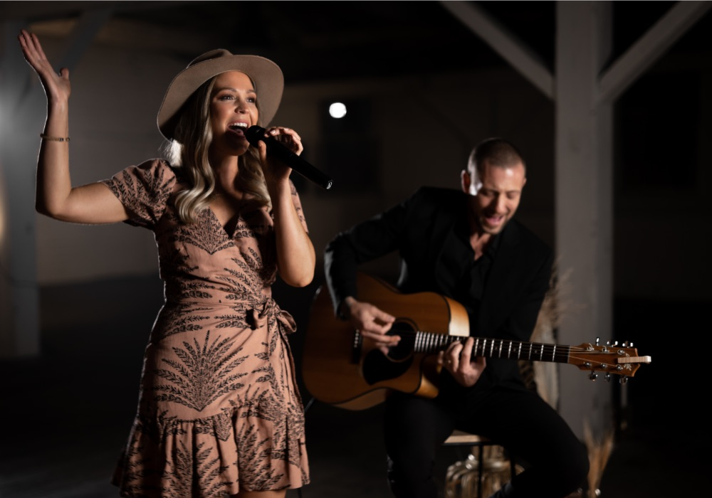 Cass & Vin Acoustic Duo Hey Jack