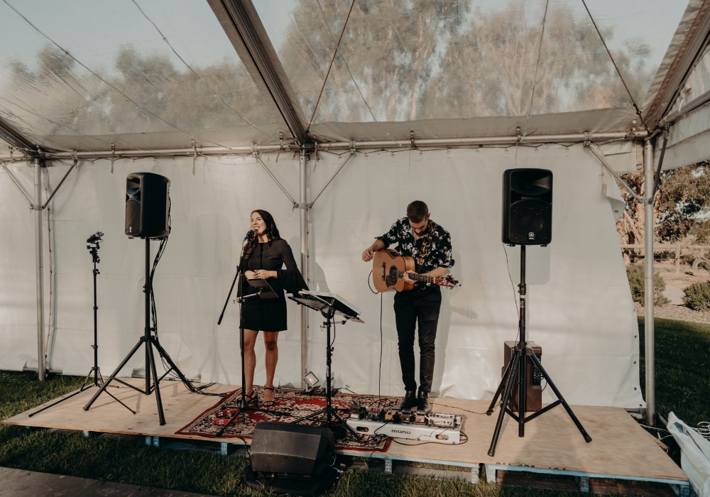Between The Cover Acoustic Duo Melbourne