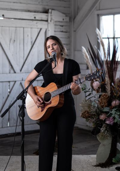 Sarah Acoustic Soloist Melbourne