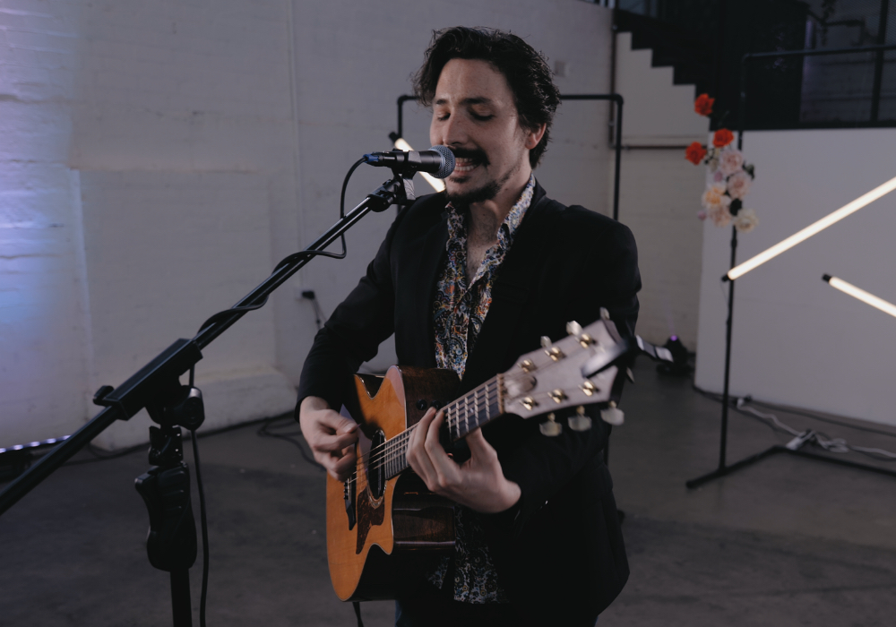 Hughes | Acoustic Soloist | Hey Jack