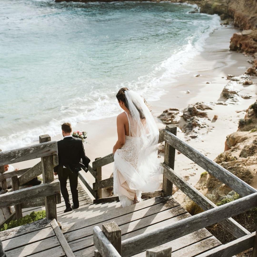 Best Mornington Peninsula Wedding Venues, Bands, Singers & DJs
