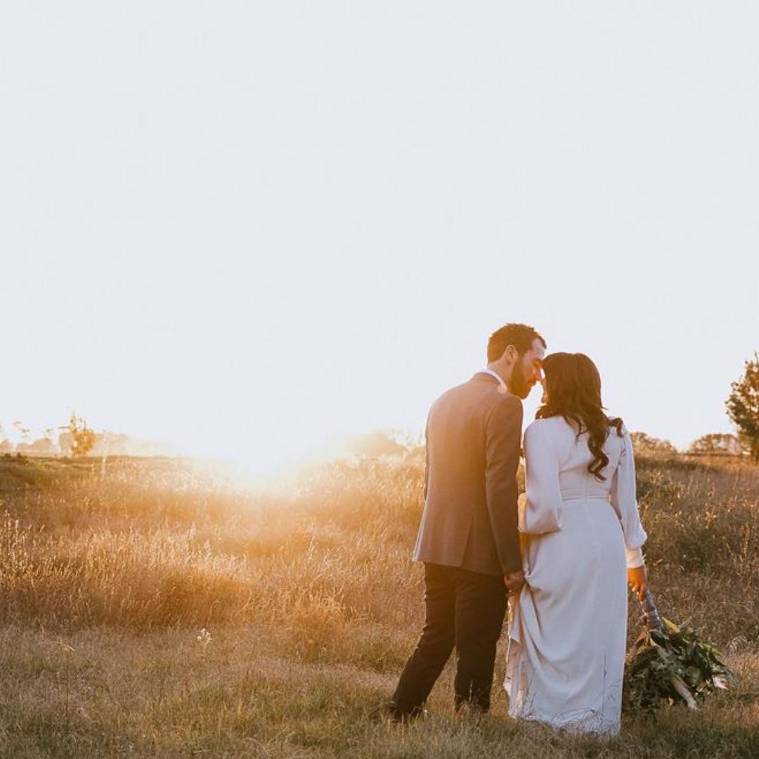 Best Lakes Entrance & Gippsland Wedding Venues, Bands, Singers & DJs