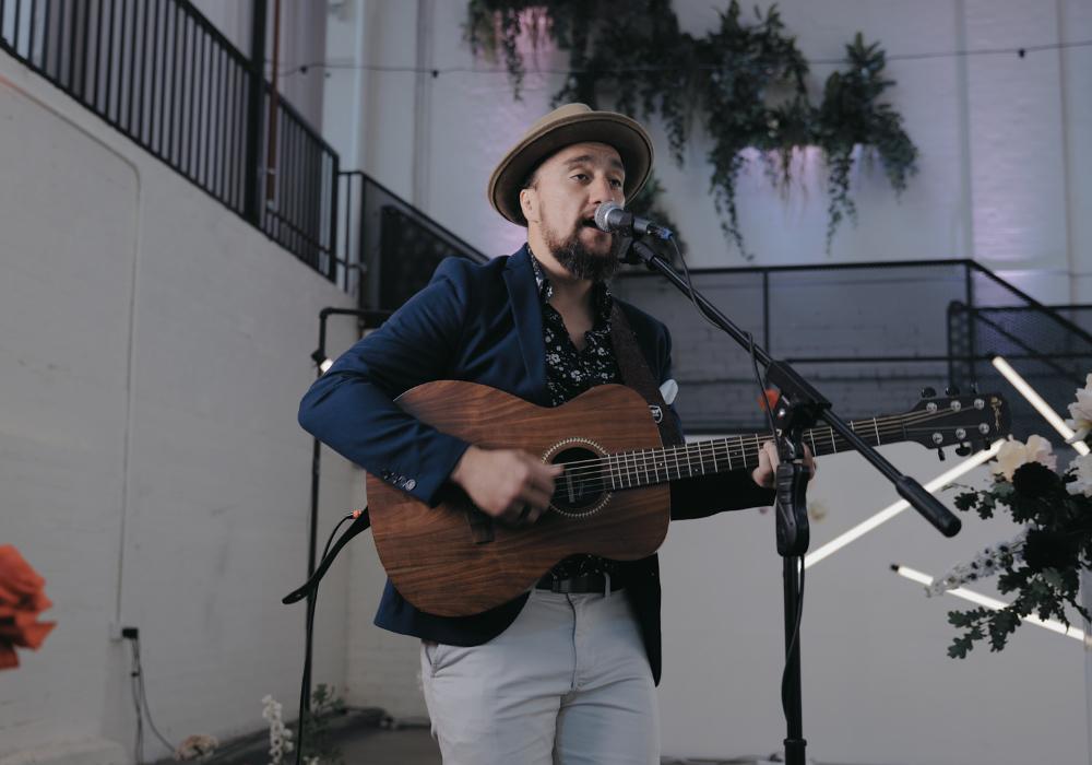 Lukas Acoustic Soloist Hey Jack