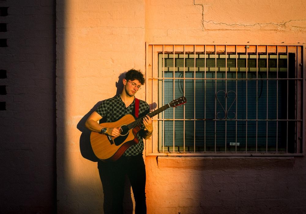 Bails Solo Singer Melbourne
